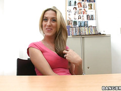 Long haired blonde Gianna Foxxx is sucking huge phallus indoors