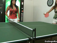 After billiard this teen amateur chick giving the kinky headjob