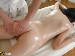 Seducing gal getting unfathomable wet crack massage